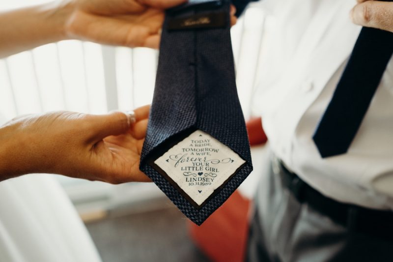 03_LindseyDave_016_byLiWard_father-of-bride_wedding_tie-details